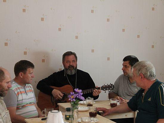 Священник из Ростова-на-Дону отдал свой дом бывшим заключенным
