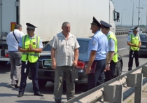 Донские полицейские встретились с автолюбителями в формате «мобильной приемной»