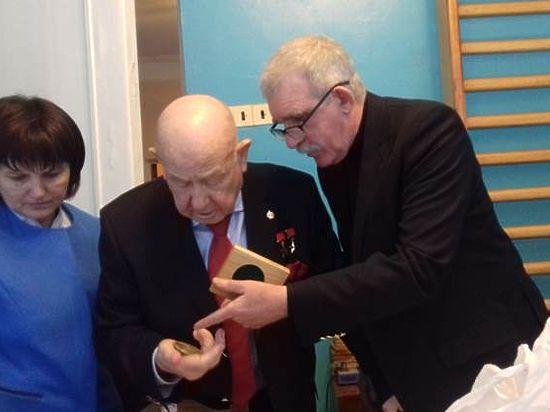 100 необычных наград для первых покорителей космоса сделал ростовский медальер к 110-летию Королева