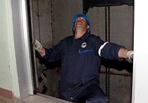 В Зеленограде хулиганы сломали лифт, бросив в Шахту чугунную ванну