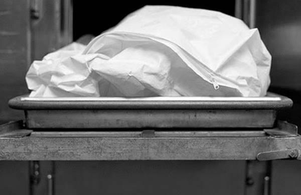 Труп мужчины, лежащий головой вмусорном ведре, обнаружили вростовской фирме