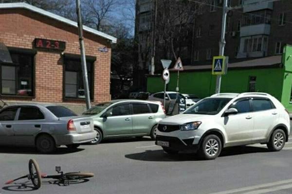 Вцентре донской столицы четырнадцатилетний велосипедист оказалася под колесами иномарки