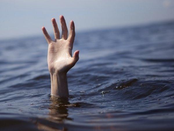 Нареке Маныч мужчина выпал изрезиновой лодки