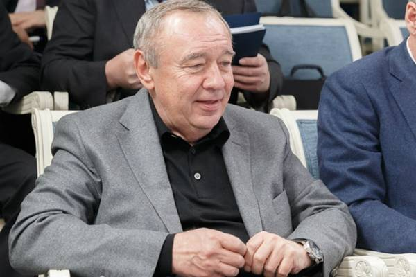 Руководство РОобъявило конкурс нааренду автомобиля для Владимира Чуба