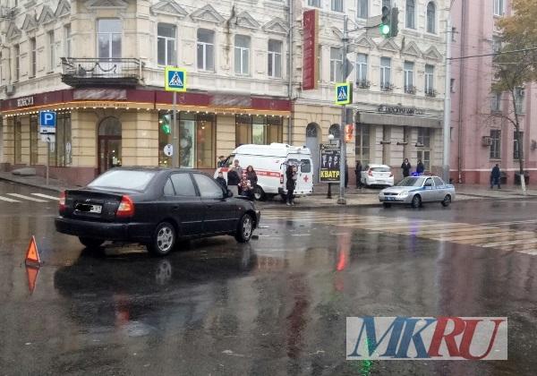 ВРостове вДТП угодила машина скорой помощи