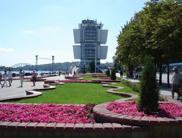 Навысадку цветов нанабережной Ростова истратят неменее 2,3 млн руб.