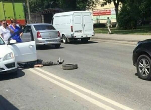 Мужчина-водитель «Форда» скончался прямо зарулём вРостове