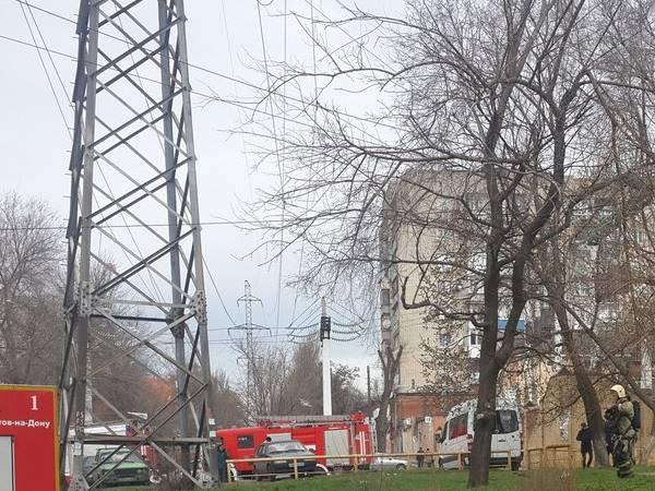 Свидетели информируют о взрывах вобщежитии наГвардейском вРостове, ФОТО